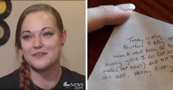 Σερβιτόρα που εξυπηρετεί ένα ήσυχο ζευγάρι, ξαφνικά τρέχει στο αφεντικό της με δάκρυα στα μάτια και του δείχνει το σημείωμα στην απόδειξη