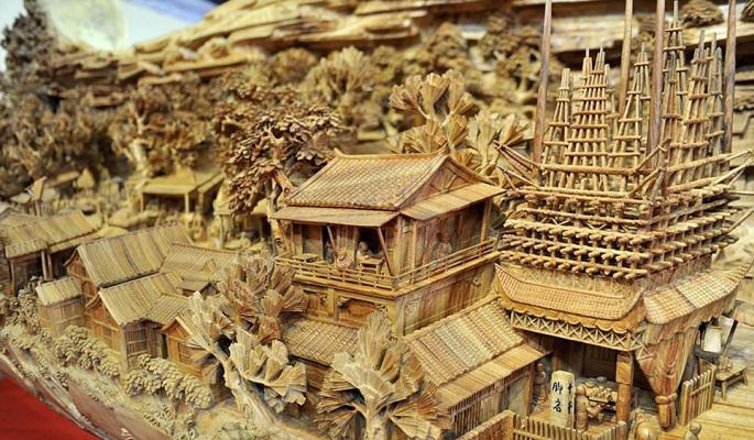 longest_wooden_carving_masterpiece_5