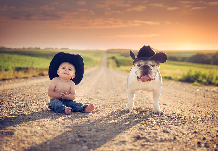 kids-with-dogs-102__700