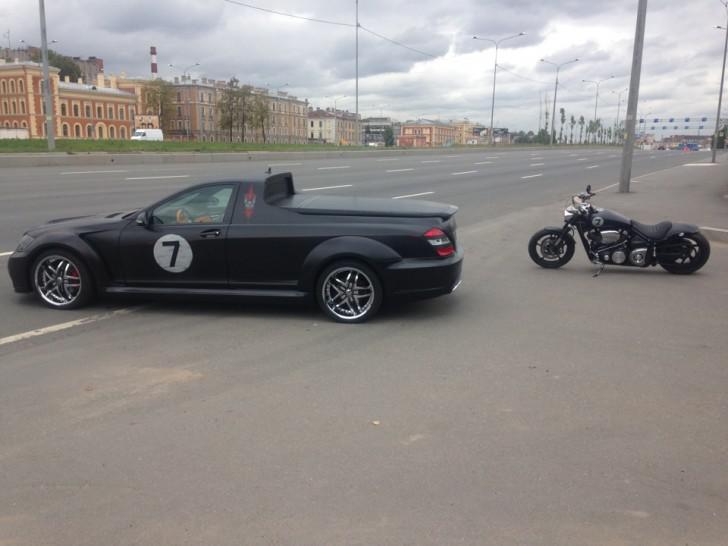 Καλοτάξιδη φίλε: Ρώσος... κάγκουρας μετέτρεψε αυτή εδώ τη Mercedes S Class σε αγροτικό! (Photos)