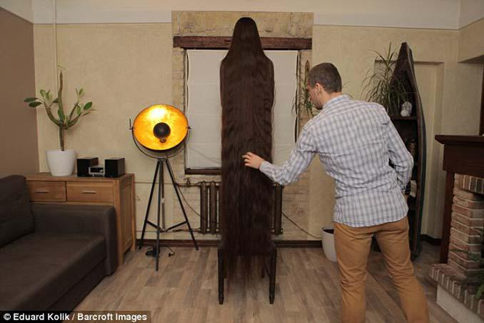 Η αληθινή Ραπουνζέλ που έχει μήκος μαλλιών 2,2 μέτρα (1)