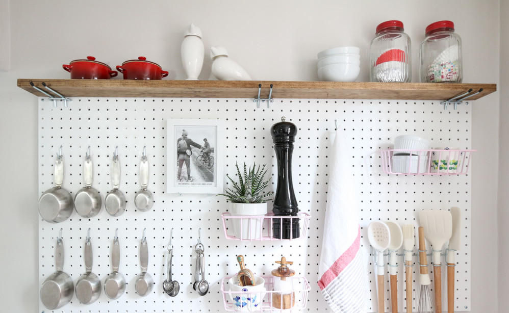 kitchen-counter-pegboard-e1458844647560