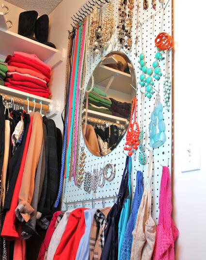closet-jewelry-pegboard-e1458846299804