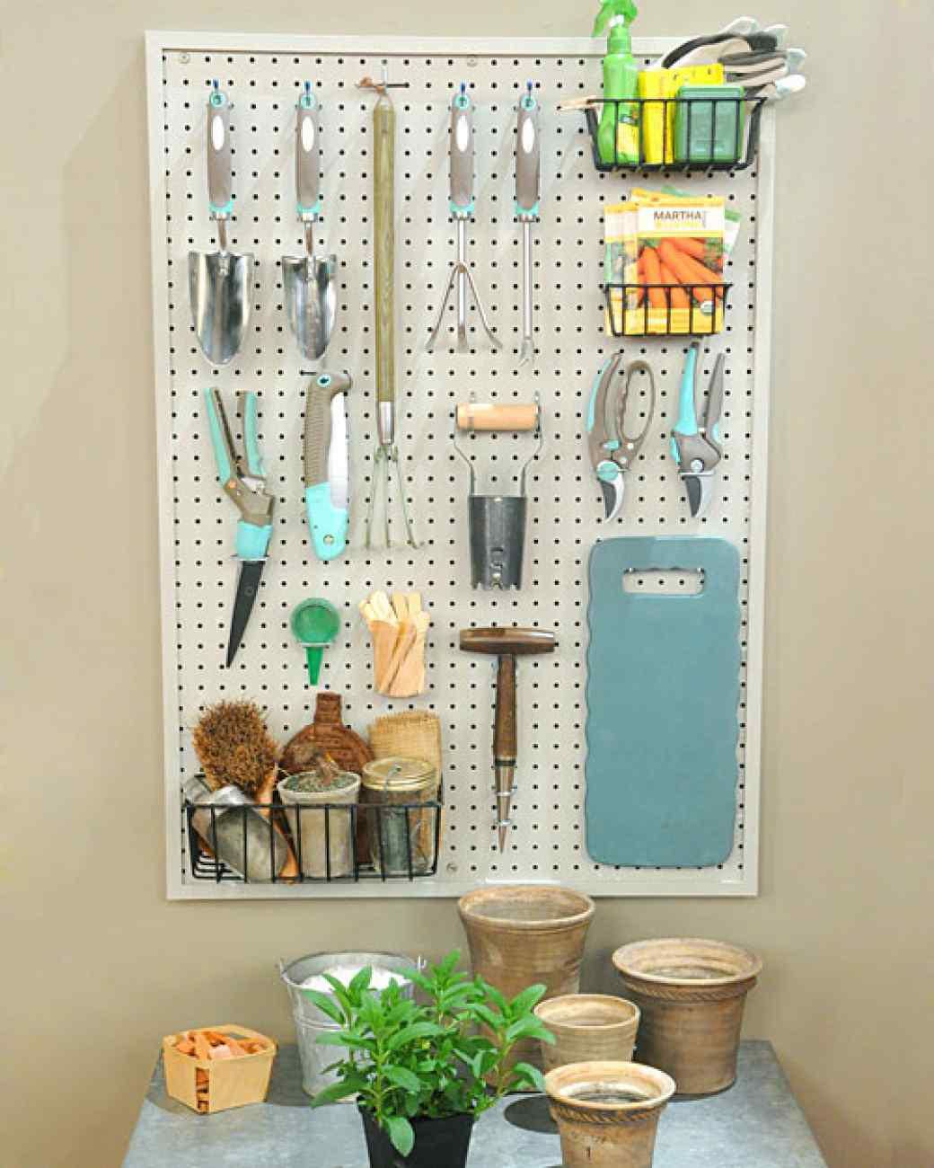 6143_042611_pegboard_craft_hd