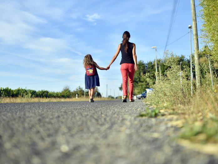 Έχασα τα πάντα και έφυγα με το παιδί μου. Κανείς από την οικογένειά μου δεν γνωρίζει που είμαι και τί κάνω…