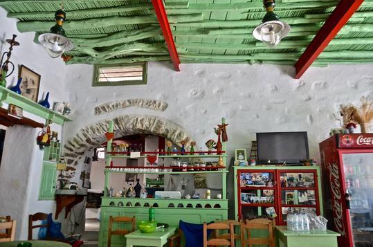 To «Μοσχουδάκι» είναι το πιο όμορφο καφενείο της Αμοργού