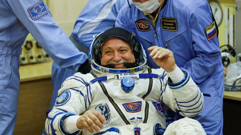 poios-einai-o-pontios-kosmonautis-pou-ta