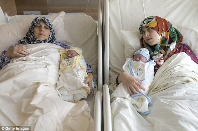 A Syrian mother and daughter have given birth at the same after undergoing Caesarean sections together at a Turkish hospital
