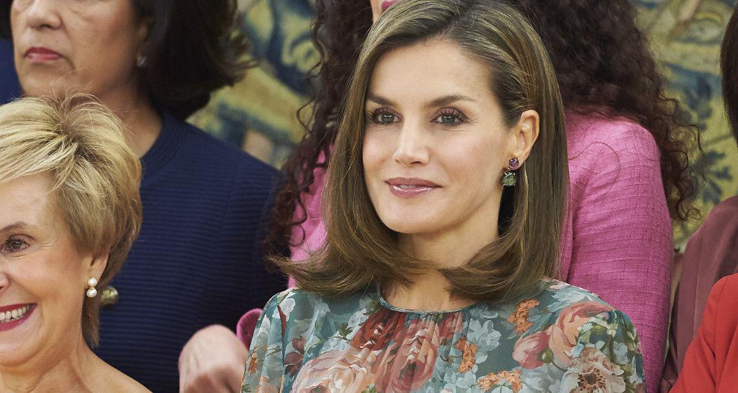 Η βασίλισσα Λετίθια φόρεσε ένα φλοράλ φόρεμα Ζara που κοστίζει μόλις 78 ευρώ