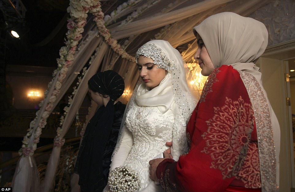 Фото чеченских девушек на свадьбах