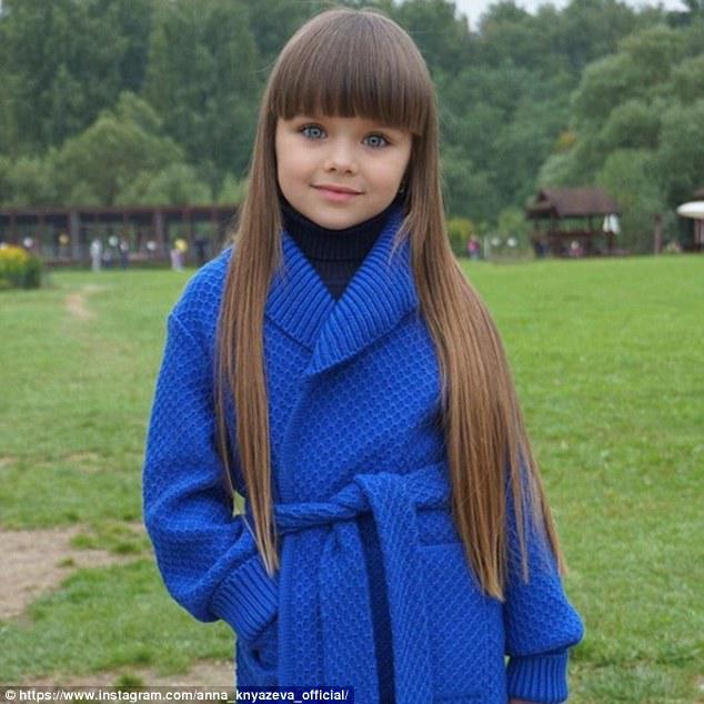 53f51e9804d Η Anastasia Knyazeva είχε δεκάδες σχόλια στον λογαριασμό της σχετικά με τα  χαρακτηριστικά της που την παρομοίαζαν με κούκλα εξαιτίας των μπλε ματιών  της.