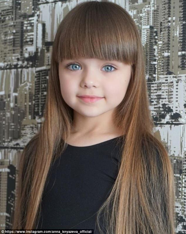 8b9da19e903 Η μητέρα της Αναστασίας μοιράζεται στο Instagram φωτογραφίες από το  κοριτσάκι της από τον Ιούλιο του 2015, όταν το κοριτσάκι ήταν μόλις  τεσσάρων ετών.