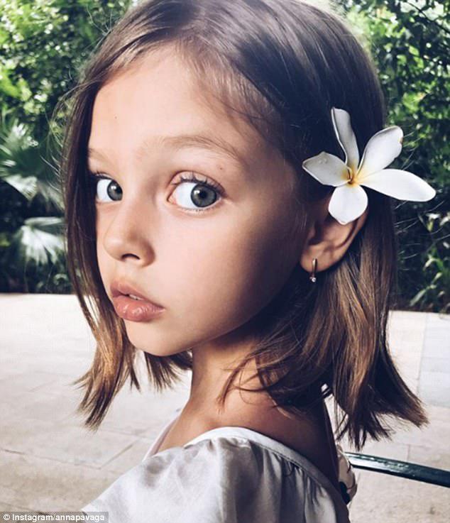Οι οπαδοί της Instagram επαίνεσαν την «εκπληκτική» ομορφιά της Άννας και την αποκαλούσαν «μαγευτική»,