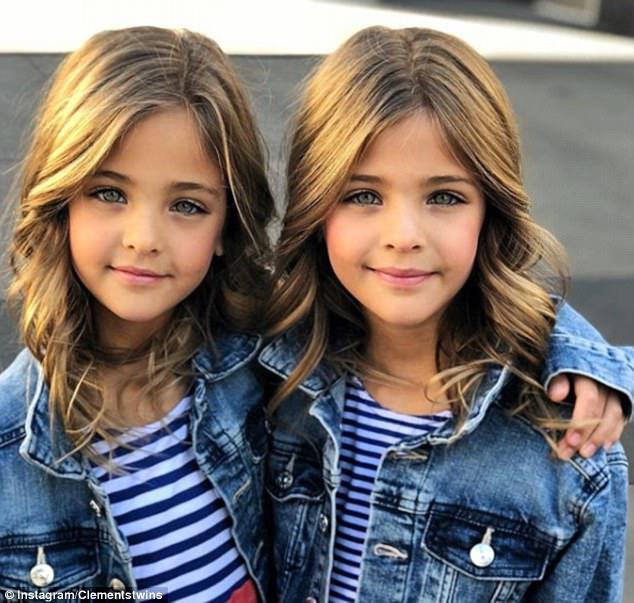 Τα κορίτσια έχουν κερδίσει δεκάδες συμβάσεις, που παρουσιάζουν για τα εμπορικά σήματα και τα περιοδικά παιδικών ενδυμάτων