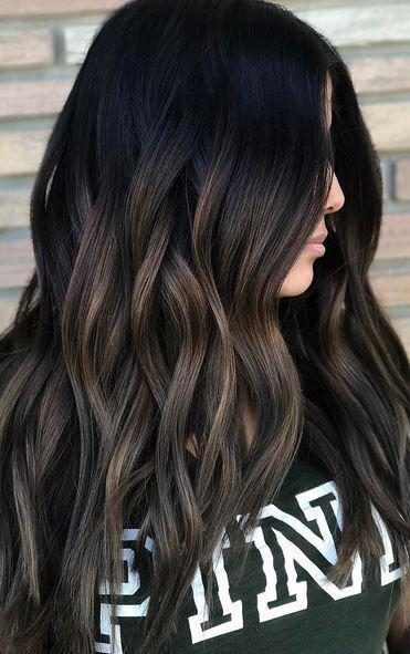 20 φοβερά χρώματα μαλλιών που ταιριάζουν σε μελαχρινές – διαφορετικό 3d0b2aaf104