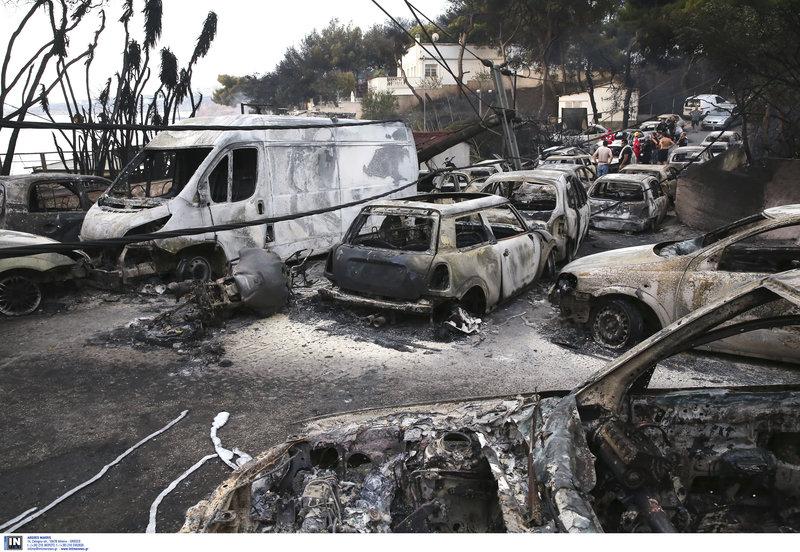 Το απόλυτο χάος -ΙΧ εγκλωβίστηκαν και κάηκαν από τη μανία της φωτιάς