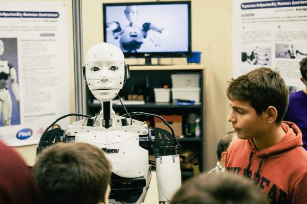 Αποτέλεσμα εικόνας για Δημήτρης Χατζής καβάλα ρομπότ
