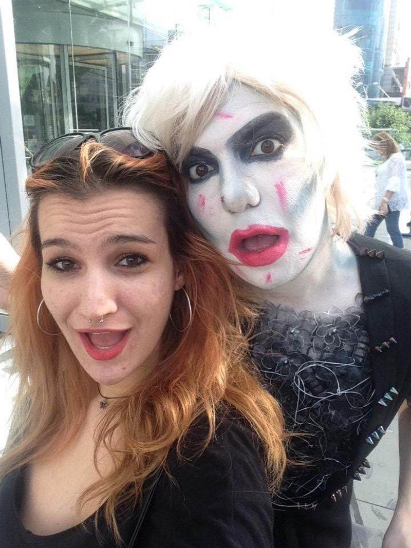 Με τη συμπρωταγωνίστριά του στην παράσταση «ΚΤΕΛ για Κρέστενα» Νατάσα Λυμπεροπούλου τον Ιούνιο στην Στέγη Γραμμάτων και Τεχνών. Φωτογραφία: Facebook.