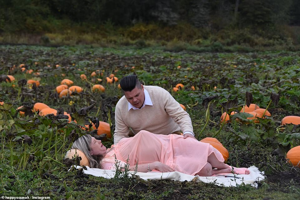 Nicole soon begins to go into labor in the pumpkin patch with a concerned Todd trying to support her for her big 'delivery'