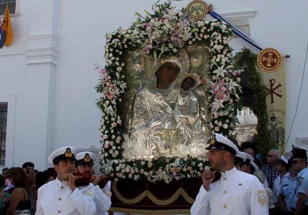 Παναγία Εκατονταπυλιανή: Οι 99 φανερές πύλες και μία που παραμένει αόρατη
