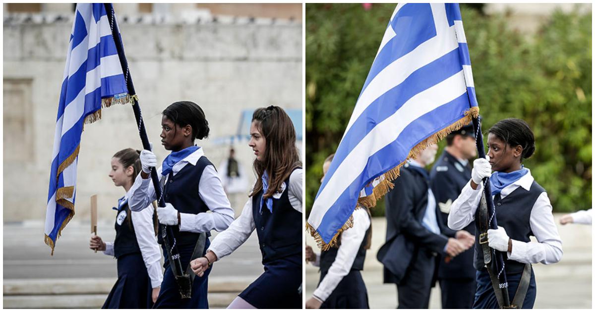 Αυτη ειναι η σημαιοφόρος που έκλεψε τα βλέμματα στη μαθητική παρέλαση της Αθήνας