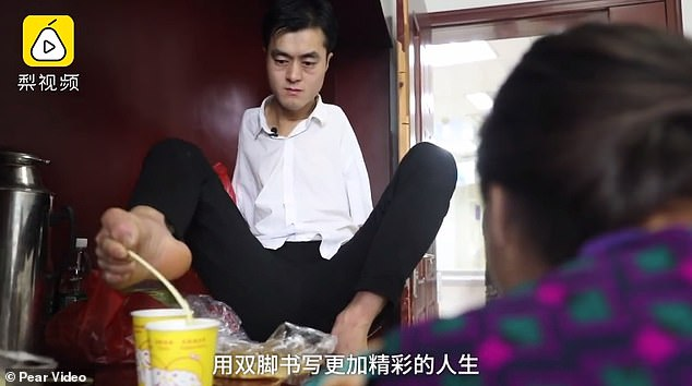 The man from China was born without arms, but he looks after his mother after she fell ill