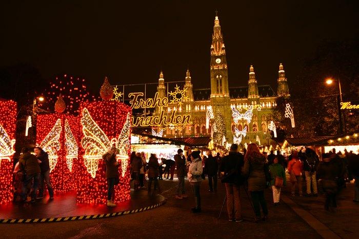 Αξίζει να σημειωθεί μάλιστα ότι η Πρωτοχρονιάτικη Συναυλία της Φιλαρμονικής  της Βιέννης c39090c442b