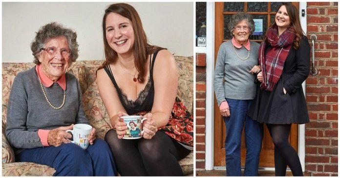27χρονη φοιτήτρια συγκατοίκησε με 95χρονη για να πληρώνει μικρότερο ενοίκιο και η ηλικιωμένη να μην νιώθει μόνη