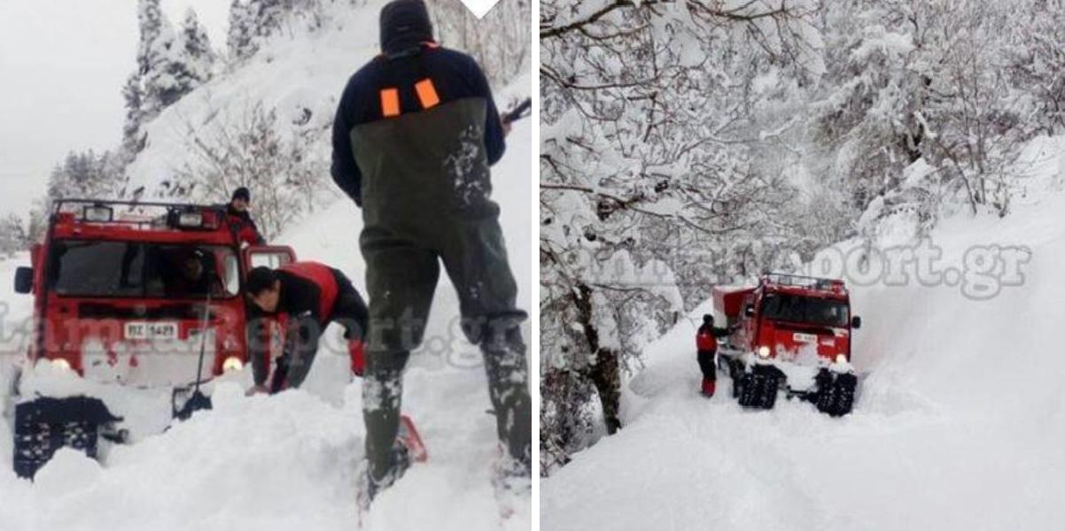 Πυροσβέστες της ΕΜΑΚ περπάτησαν 3 χιλίομετρα μέσα στο χιόνι για να πάνε φάρμακα σε ηλικιωμένο