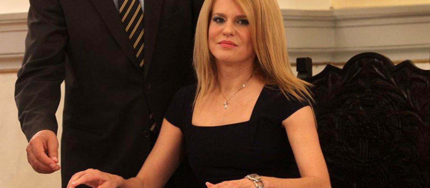 Η βουλευτής του ΣΥΡΙΖΑ Θ.Τζάκρη χορεύει σκοπιανά αλυτρωτικά τραγούδια στην Έδεσσα