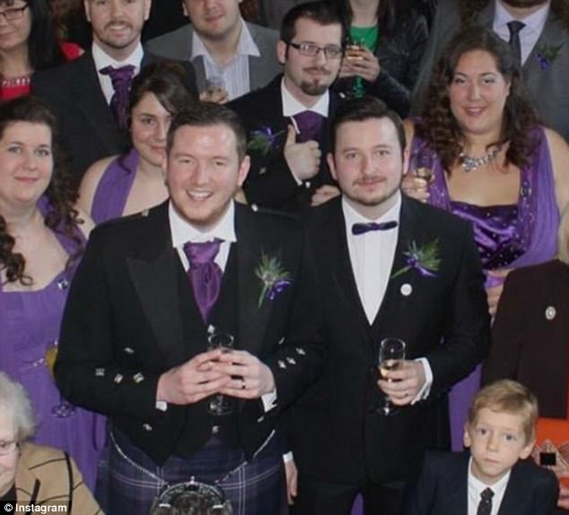 Παντρεύεται μετά από έξι μήνες γνωριμιών