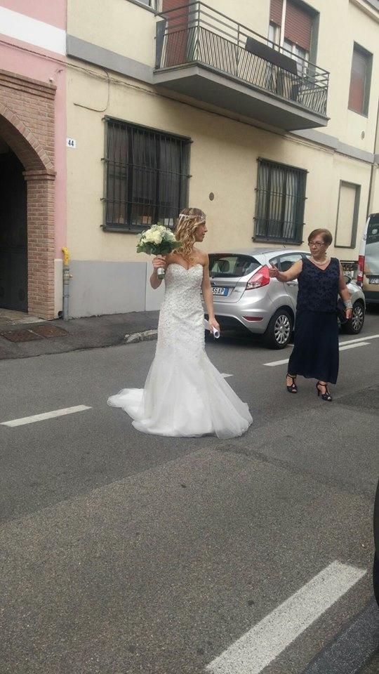 40χρονη Ιταλίδα γυμνάστρια ξόδεψε 10.000 ευρώ και παντρεύτηκε τον εαυτό της - Εικόνα 2