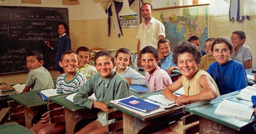 Πως ήταν τα Ελληνικά σχολεία του παρελθόντος μέσα από σπάνιες φωτογραφίες  που μας γεμίζουν νοσταλγία – διαφορετικό