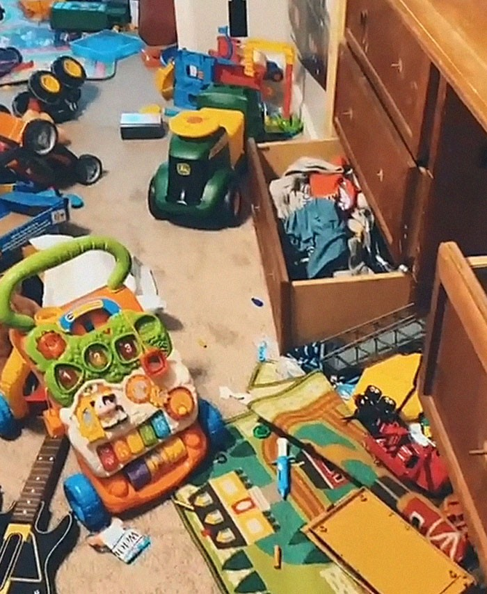 son not cleaning room mothers punishment 2 60753b463145f 700 1