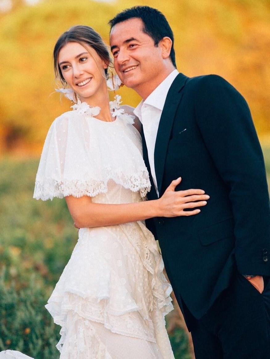 Ο Τούρκος Mister Survivor Ατζούν Ιλιτζαλί παντρεύεται 30 χρόνια μικρότερή του… για 4η φορά - Εικόνα 11