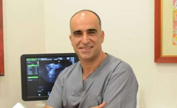 Médico griego da maternidad a mujeres menopáusicas